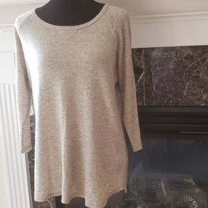 Joie Joie Soft  top size  M top Crew neck Sweater